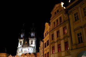 Häuser und Teynkirche am Altstädter Ring, Prag, Tschechien