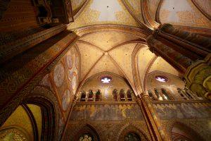 Innenraum der Matthiaskirche, Budapest, Ungarn