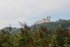 Blick auf die Abtei Tihany, Tihany, Ungarn