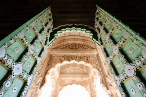 Tür am Jaswant-Thada-Mausoleum, Jodhpur, Indien