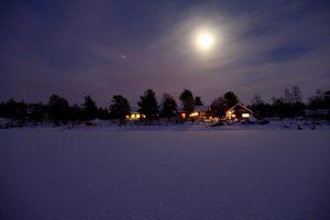 Polarnacht in Njurkulahti, Lappland, Finnland