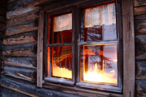 Blockhütte im Lemmenjoki-Nationalpark, Lappland, Finnland