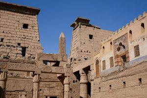 Erster Hof des Luxor-Tempels, Luxor, Ägypten