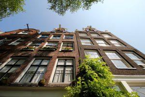 Häuserfront in Amsterdam, Nordholland, Niederlande