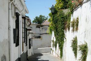 Gasse in der Albaicín, Granada, Andalusien, Spanien