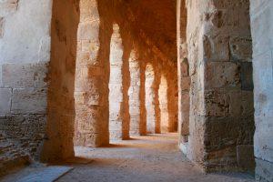 Korridor im Amphitheater von El Djem, Tunesien